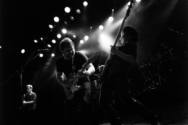 Konzertfotografie: Zwei Gitarristen im Gegenlicht