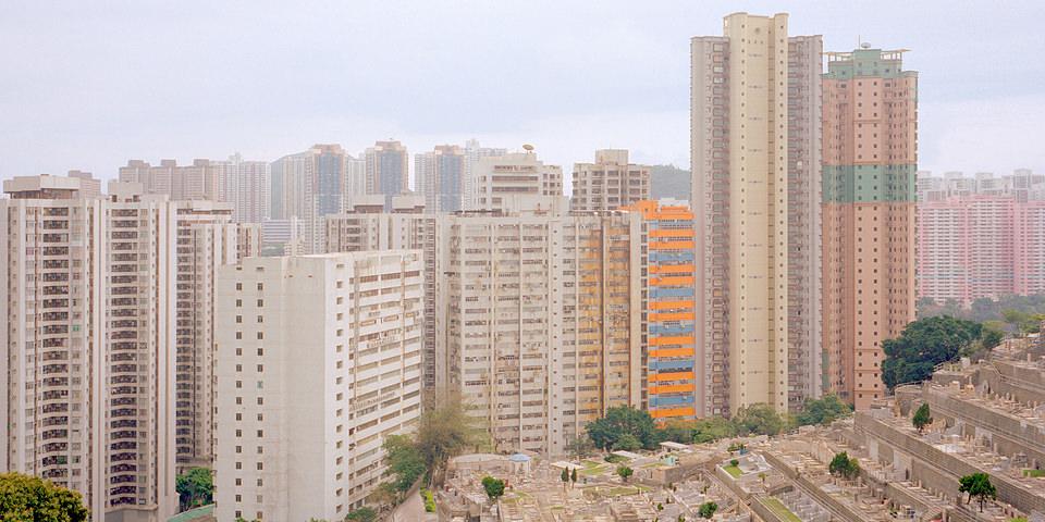 Blick auf eine Hochhaussiedlung in Hongkong.