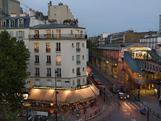 Ein Blick auf eine Pariser Strasse