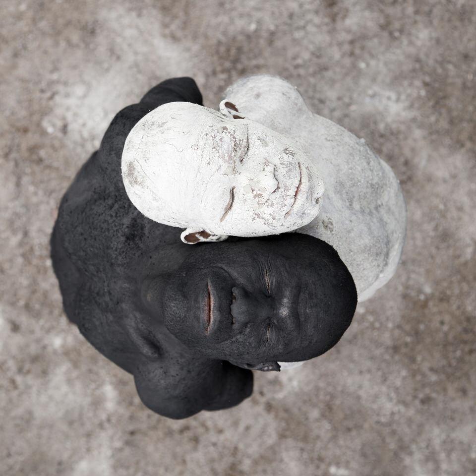 Zwei Männer als Yin und Yang