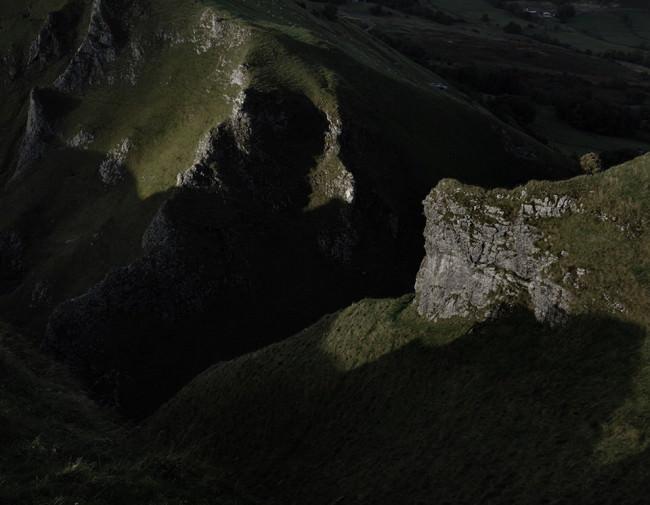 Gebirge im Seitenlicht der Sonne.