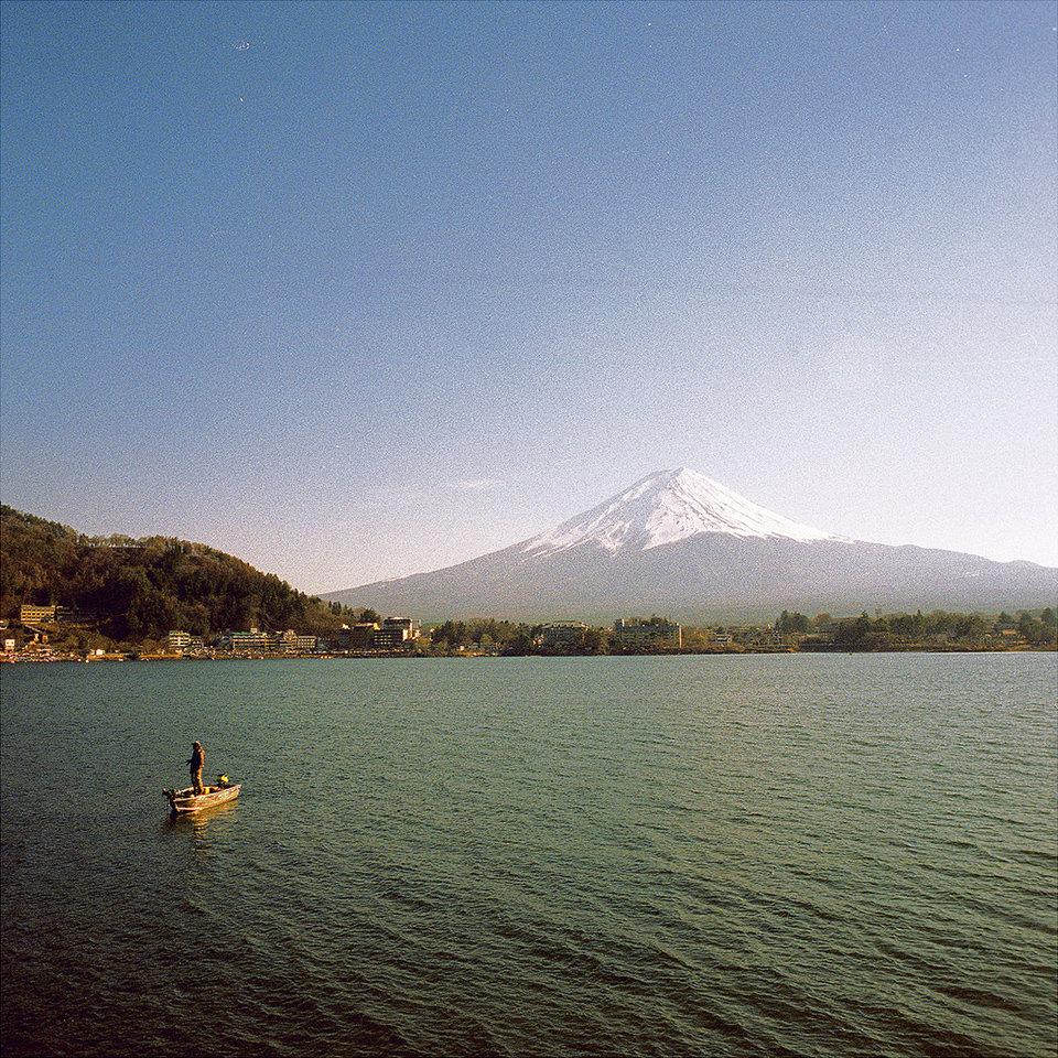 lake-kawaguchi-©-Thomas-W-19240527224