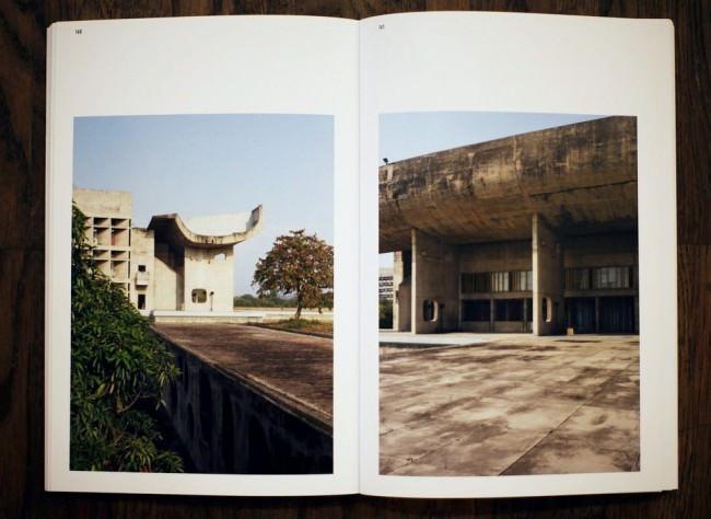 Buch Chandigarh Redux von Werner Feiersinger aufgeschlagen