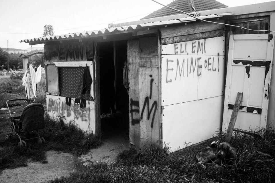 Blick auf die Baracke von Emine