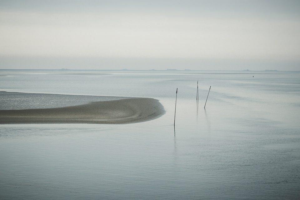 Sandbank im Meer.