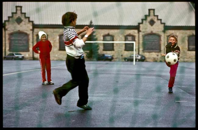 Kindre spielen Fußball