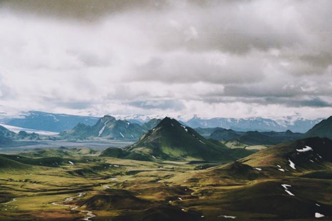 Eine bergige Landschaft