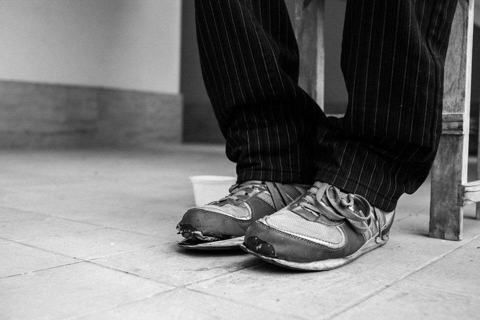 Die kaputten Schuhe von David.