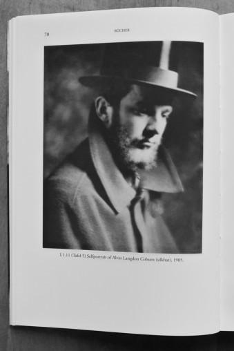 Portrait eines Mannes mit Seidenzylinder