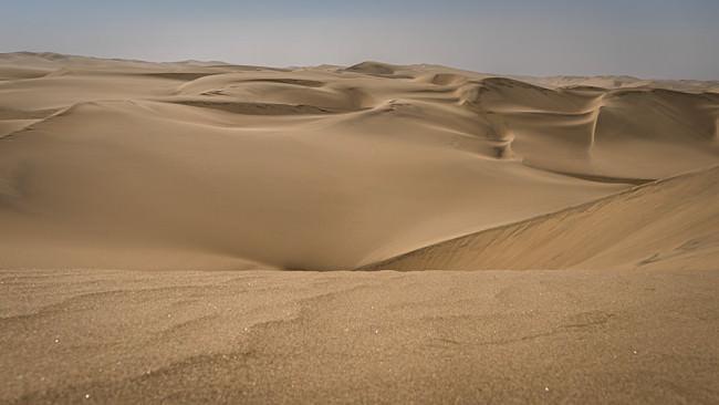 Dünen einer Wüste.