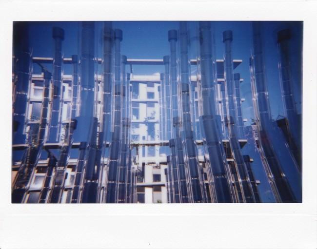 Doppelbelichtung mit Architektur und Säulen.