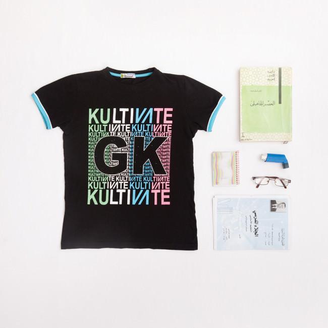 T-Shirt und Dokumente