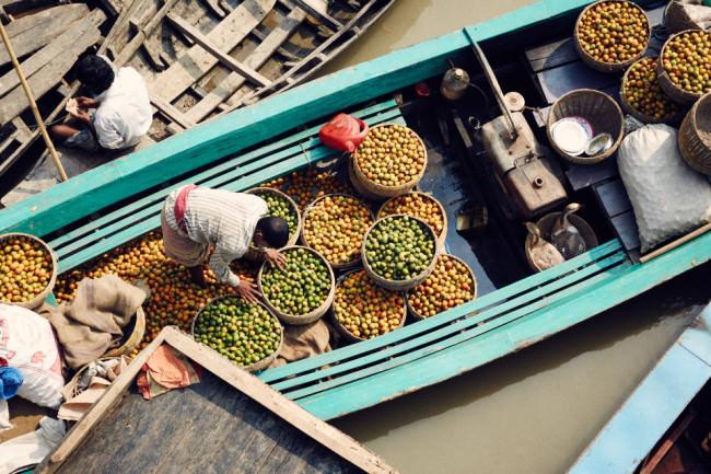 Boote voller Früchte
