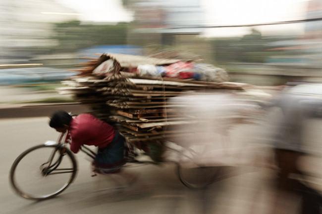 Ein vollgepacktes Fahrrad