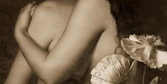 Akt zweiter Frauen mit Mohnblumen.