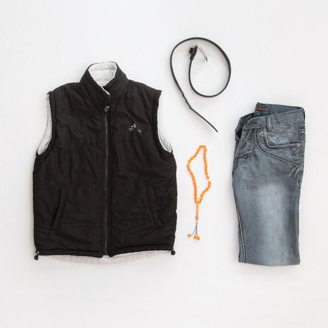 Kleidung und eine Gebetskette