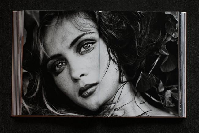Schwarzweißportrait aus dem Buch Bettina Rheims