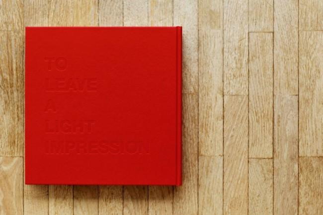"""Rückseite des Buches """"Fullmoon"""" von Darren Almond, Verlag"""