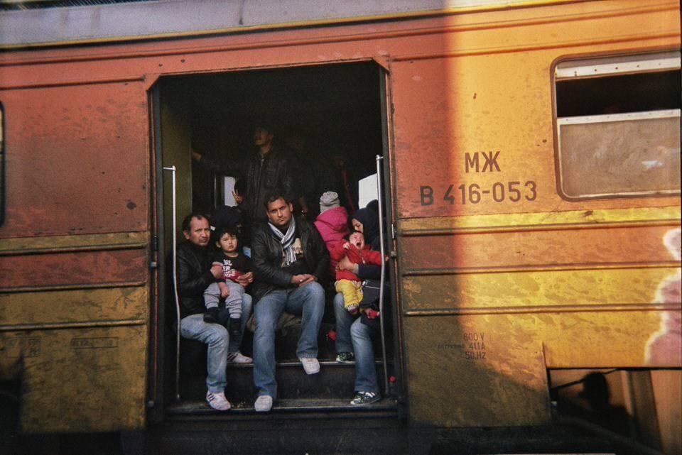 Weinende Kinder im Zug