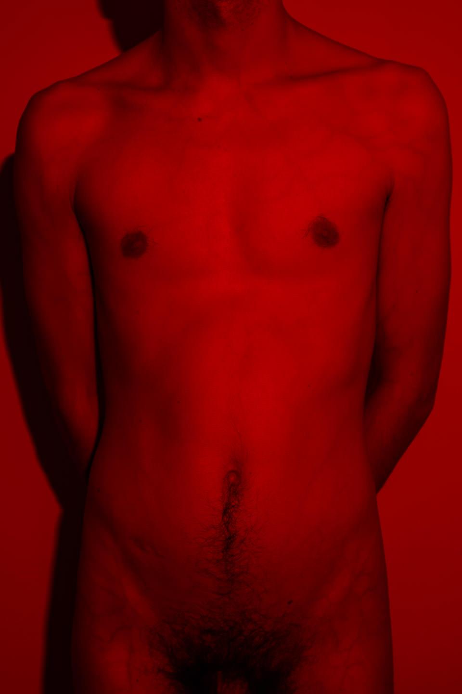Ein Körper im Rotlicht