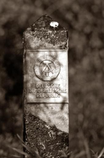 Grenzstein der DDR.