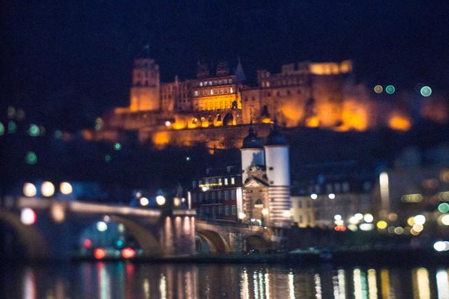 Festung bei Nacht