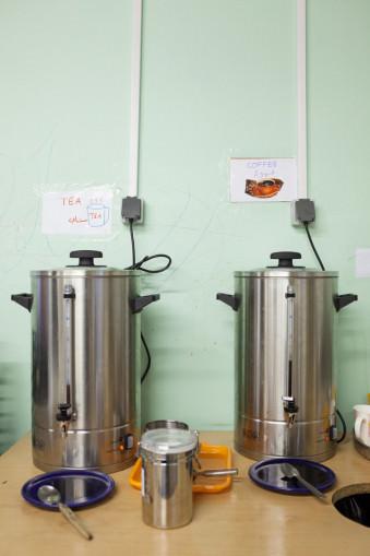 Tee und Kaffeekannen