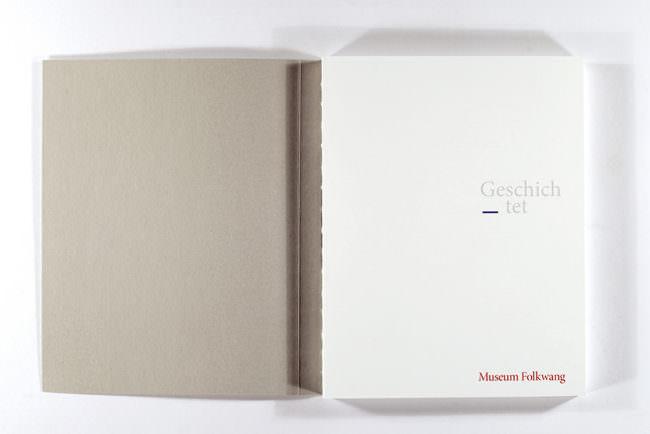 Aufgeschlagenes Buch, Cover.