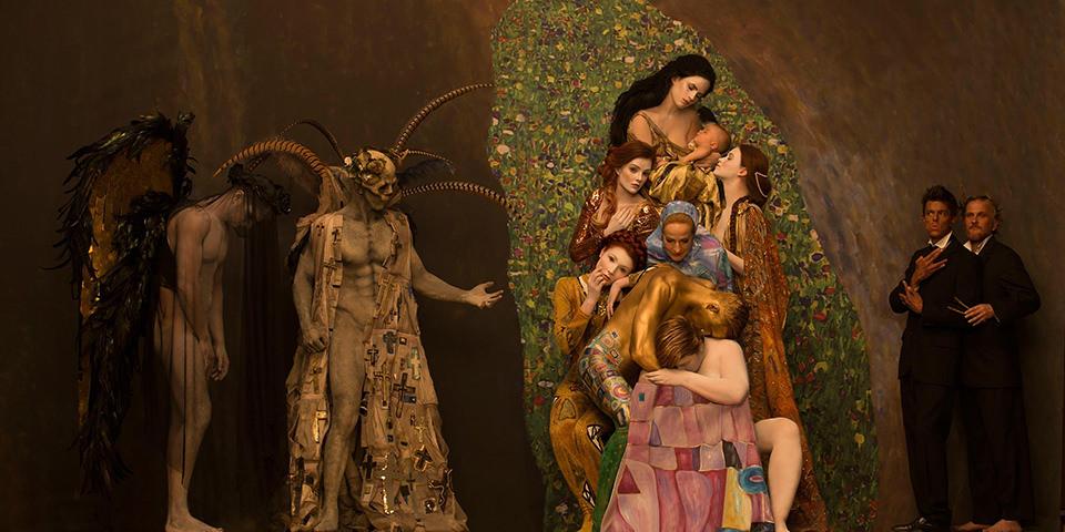 Gemälde von Klimt fotografisch umgesetzt