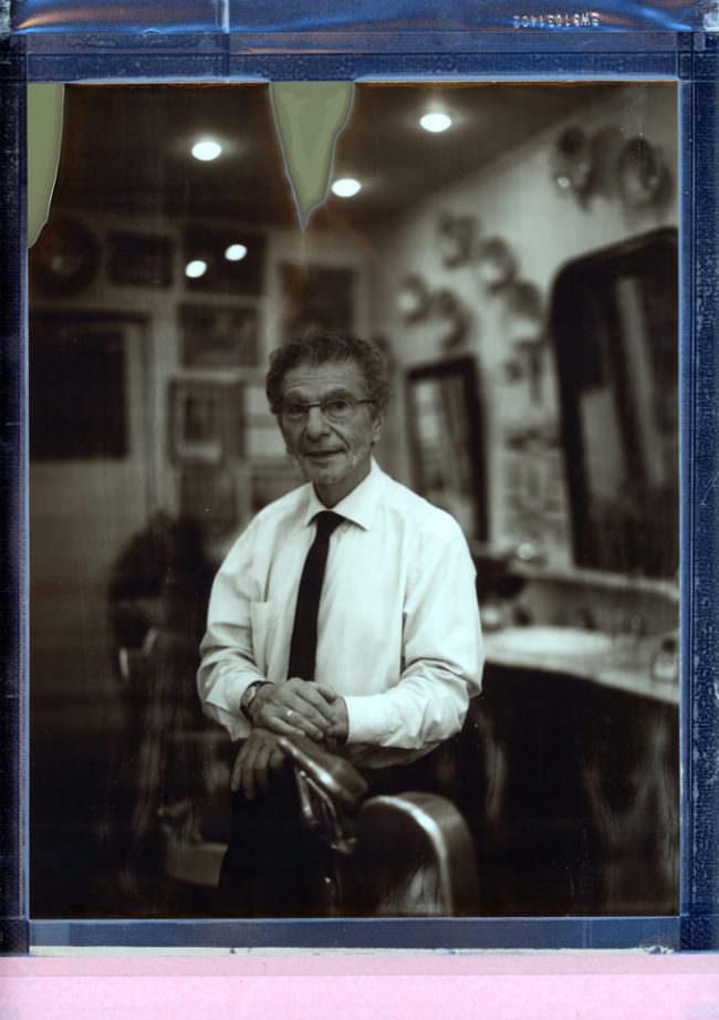 Portrait eines Mannes in einem Friseursalon