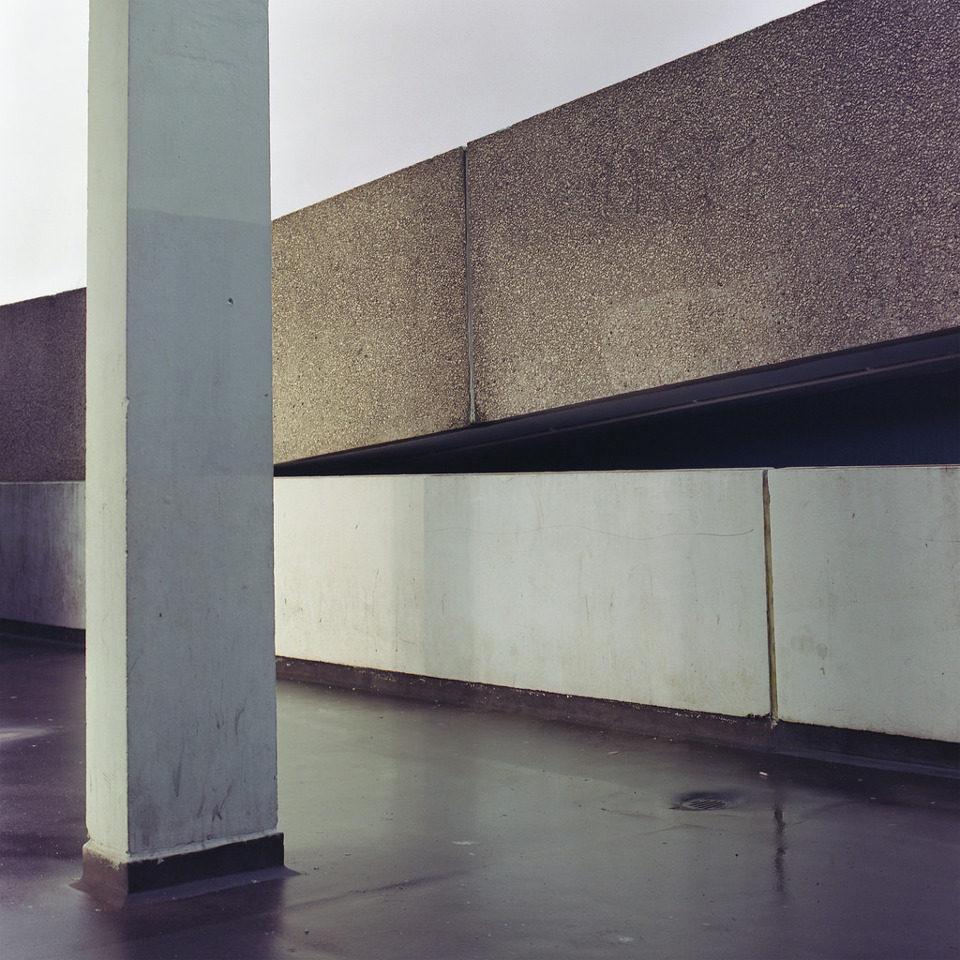 Eine architektonische Landschaft aus Beton.