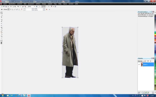In einem Bildbearbeitungsprogramm ausgeschnittener älterer Herr.