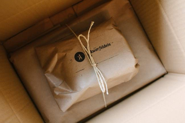 In Packpapier Verpacktes.