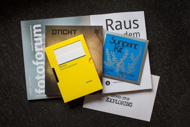 Stapel verschiedener Publikationen.