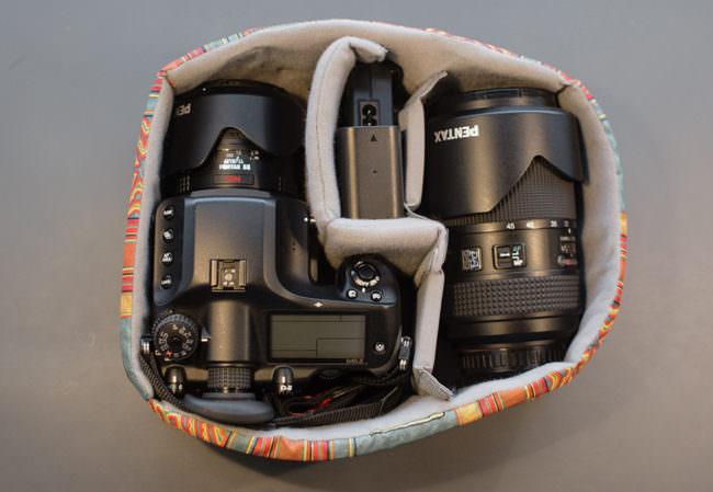 Kamera in Polsterung