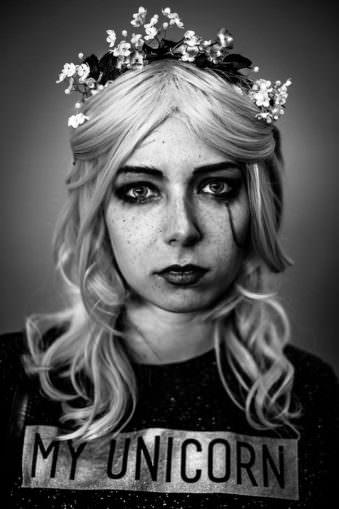 Portrait einer Cosplayerin.