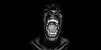 Portrait eines schreienden Mannes