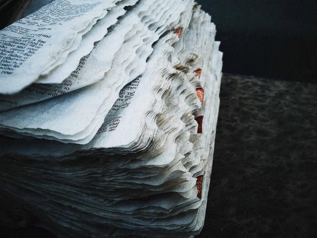 Nahaufnahme von Buchseiten.