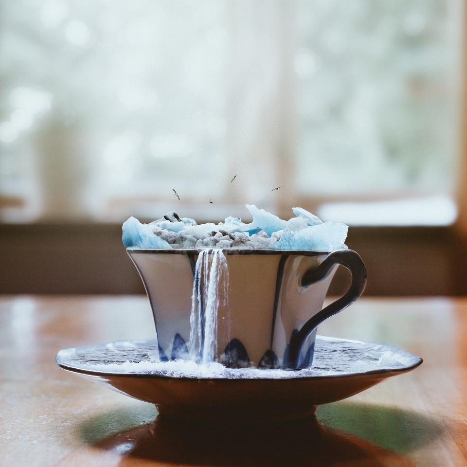 Teetasse voll mit Eisbergen