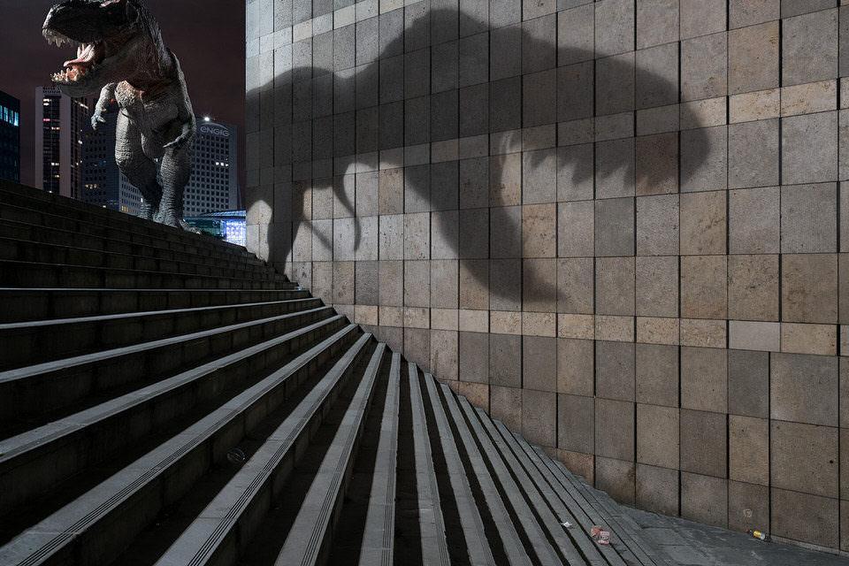 T-Rex mit großem Schatten