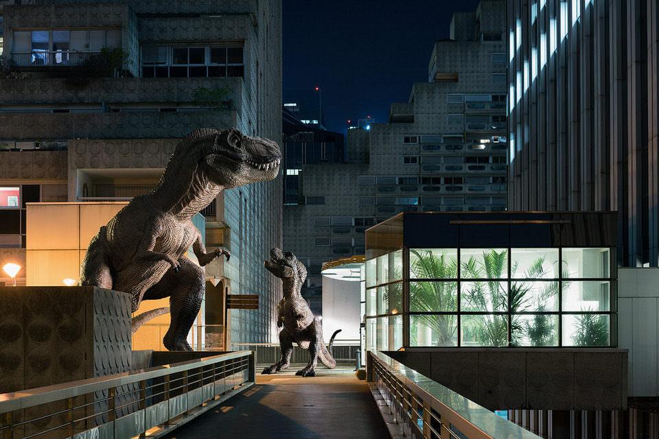 T-rex und Baby in der Stadt