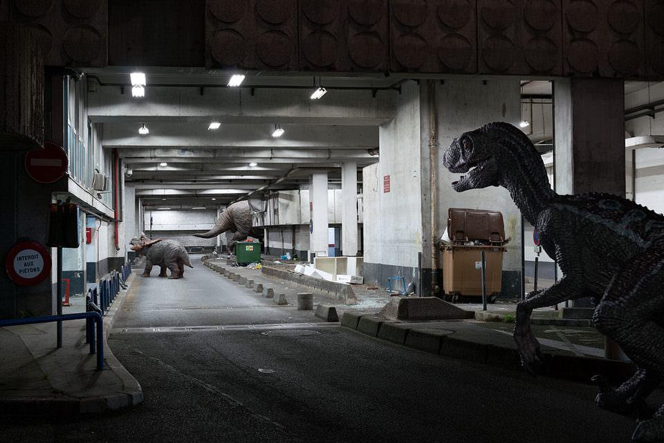 Dinosaurier in einer Unterführung