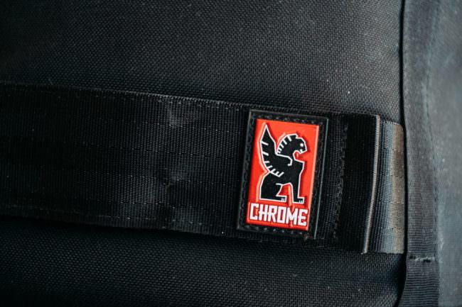 Chrome Logo auf einem Rucksack
