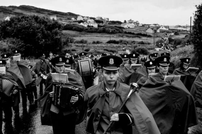 Uniformierte Musiker auf einer Parade