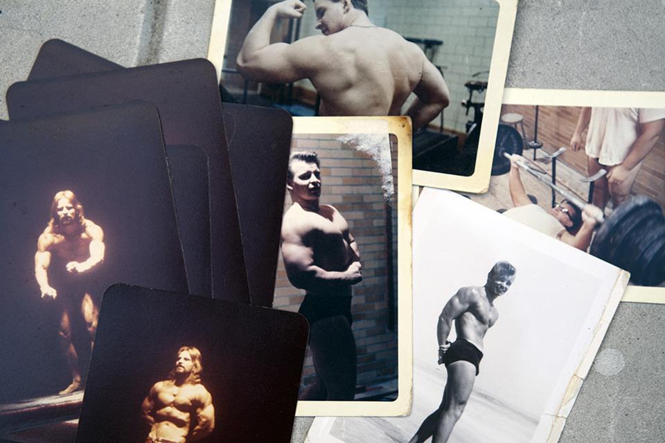 Fotografien von muskulösen Sportlern.