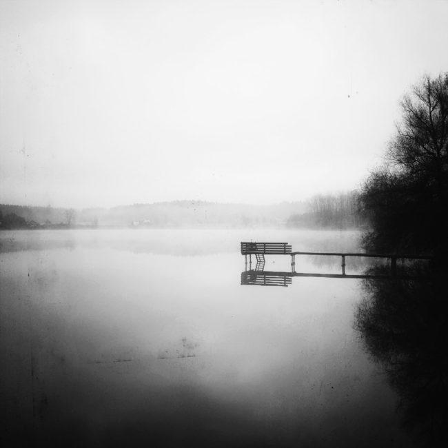 Ein Steg im See