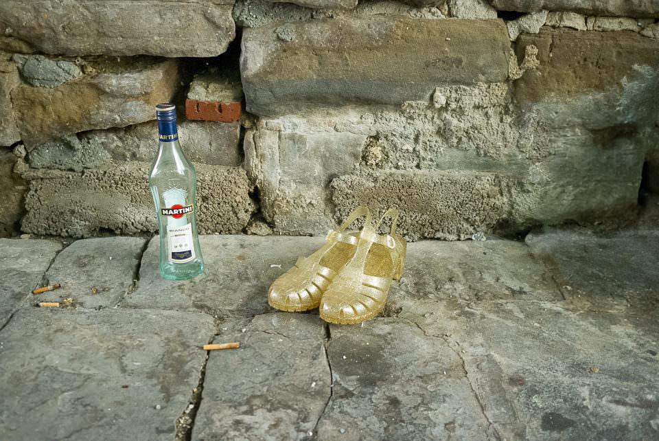Alkohol und Sandalen