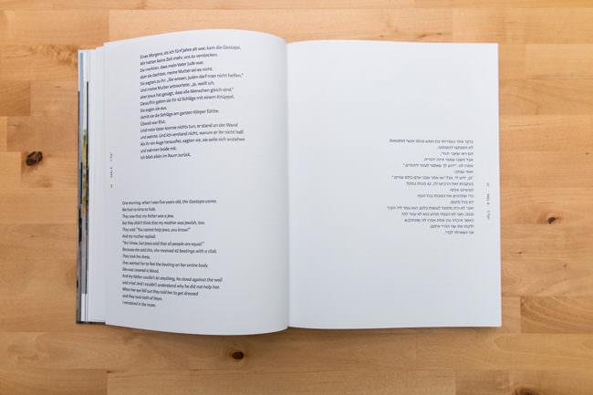 Offenes Buch mit Zitaten