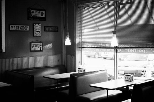 Eine Szene in einem Diner