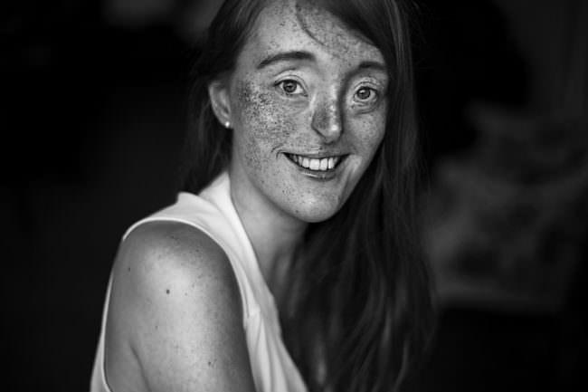 Eine lächelnde Frau